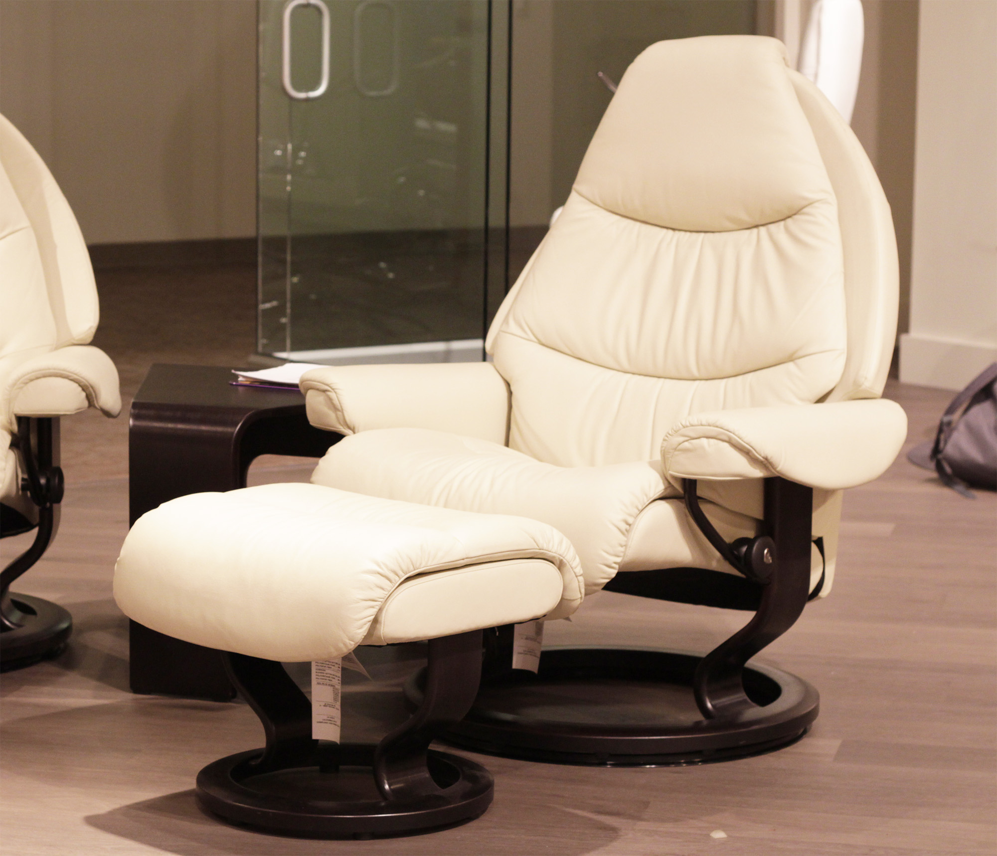 Stressless Voyager Paloma Light Grey Leather Recliner Chair by Ekornes
